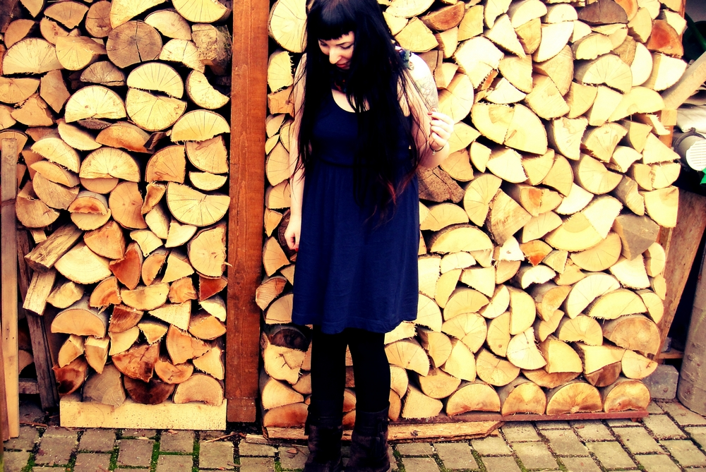 regenmonster blaues kleid