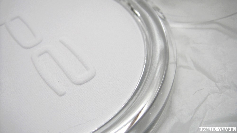 beauty-loot 1 vegan p2 perfect Face Finish Powder white brilliance