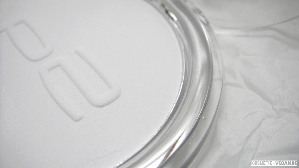 beauty-loot 1 vegan p2 perfect Face Finish Powder white brilliance