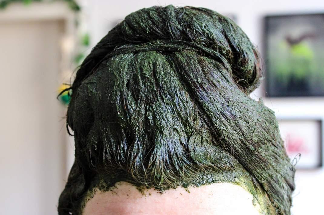 henna haarfarbe vegan natürlich haare färben pflanzenhaarfarbe