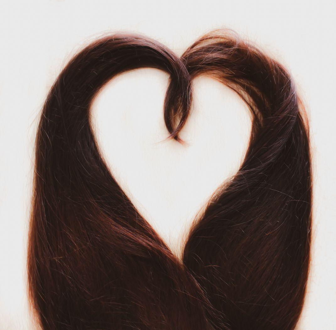 vegane haarfarben im überblick liste vegan tierversuchsfrei cruelty free tönung haarfarbe haare färben naturkosmetik henna pflangenhaarfarbe direktzieher bunt