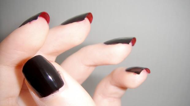 die mit der roten sohle nägel naildesign nageldesign rot schwarz red soles nails vegan (3)