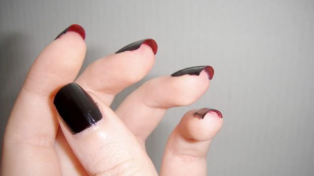 die mit der roten sohle nägel naildesign nageldesign rot schwarz red soles nails vegan (4)