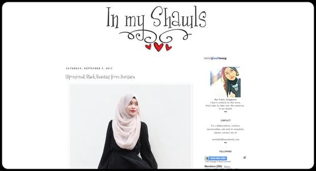 fashion blogs vegan plus size bizarre gothic alternative curvy body revolution body positive - in my shawls
