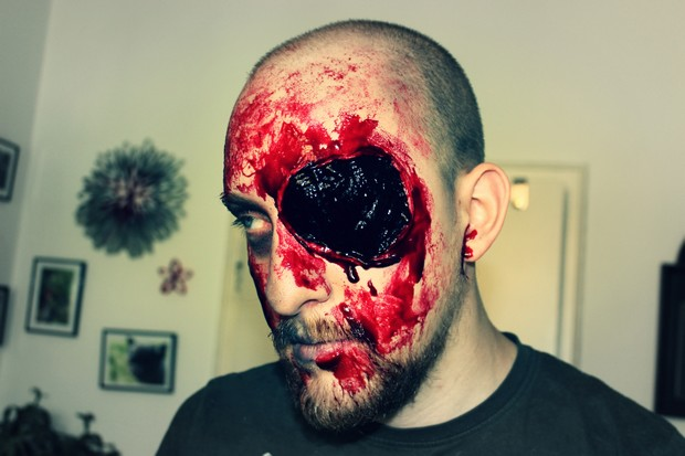 Halloween make up zombie eye blut blood gore vegan spx tutorial horror (5)