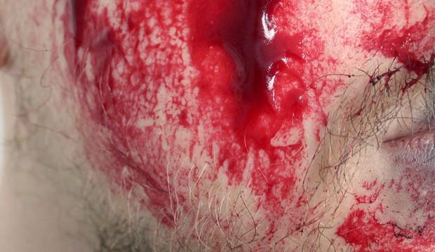 blut kunstblut diy selbst machen vegan vegetarisch anleitung rezept filmblut