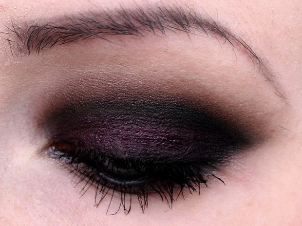 amu augen make up blue eyes purple lila black brown plum smokey eyes vegan cruelty free (6)