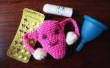 womanhood vegan verhütung sex menstruation periode menstruationstasse meluna mooncup lunette tampon pille tierversuche uterus crochet häkeln