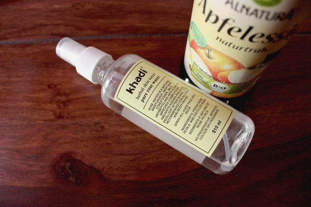 Gesichtspflege vegan Layering Japan Schritt 3 Tonikum tonisieren Gesichtswasser Rosenwasser Apfelessig