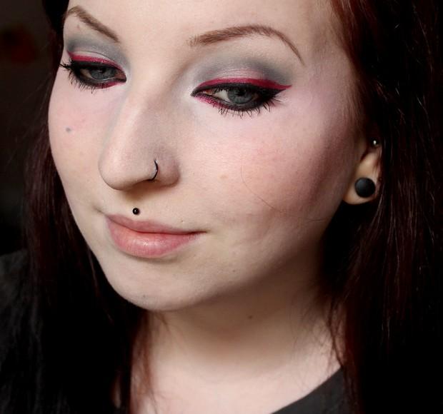 amu make up winter look outlook 2014 magi mania kosmetik vegan rot red black schwarz blue eyes 4