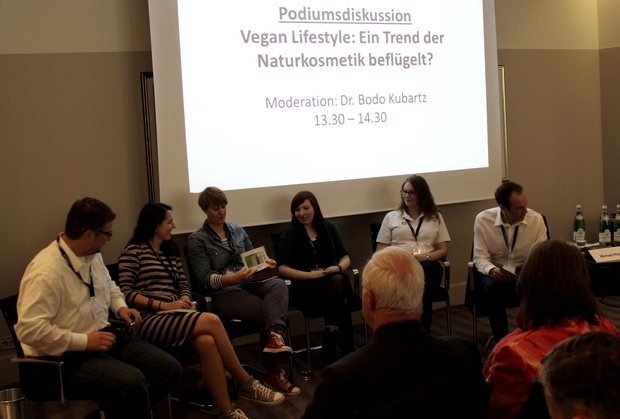 on beauty messe frankfurt villa kennedy naturkosmetik erbse mandy huth vegan podiumsdiskussion