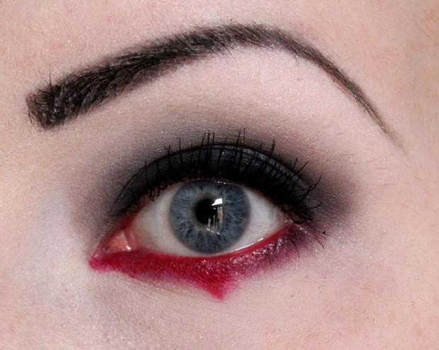 amu halloween make up red black gothic rot schwarz goth vegan kosmetik (1)