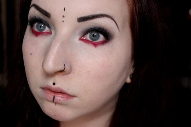 amu halloween make up red black gothic rot schwarz goth vegan kosmetik (11)