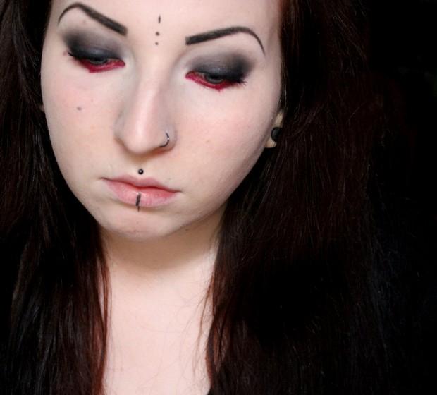 amu halloween make up red black gothic rot schwarz goth vegan kosmetik (7)