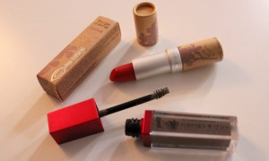 le loot vegan kosmetik couleur caramel red lipstick roter lippenstift limited edition ce soir je taime kiss red naturkosmetik p2 eyebrow gel augenbrauen gold and crown brilliant brown