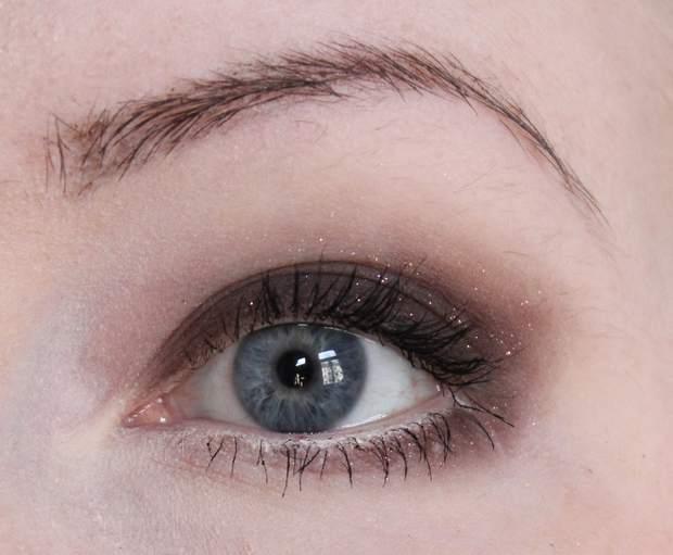 shiro cosmetics vegan kosmetik schminke braun Lidschatten Nicolas Cage Nic Cage Raking Leaves on a Brisk October Afternoon