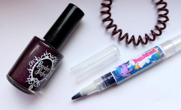 vegan kosmetik nagellack indie nail polish cruelty free powder perfect widows walk geek chic cosmetics banished blue lips invisibobble