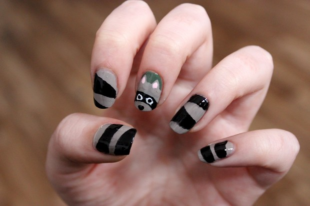 Raccoon waschbär nailart vegan nails kosmetik nageldesign