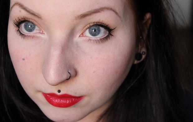 amu make up red orange is the new black dm trend it up vegan kosmetik eyedorable Mascara ultra black eyeliner pen 4