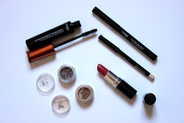 amu make up red orange is the new black dm trend it up vegan kosmetik eyedorable Mascara ultra black eyeliner pen produkte