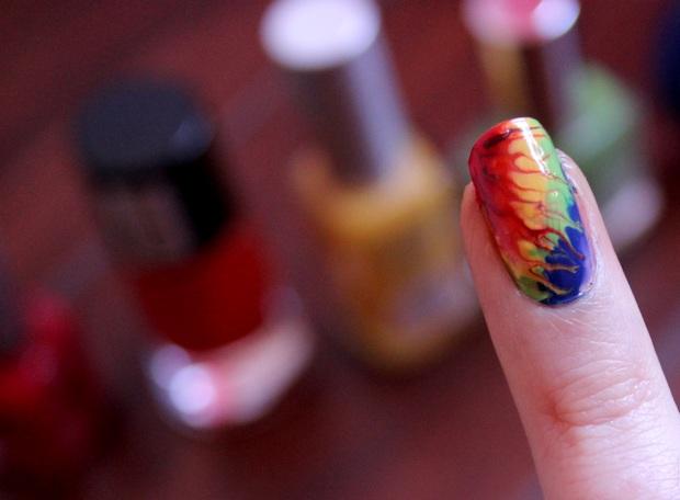 hippie 70s 70er Nailart naildesign kosmetik vegan nagellack bunt