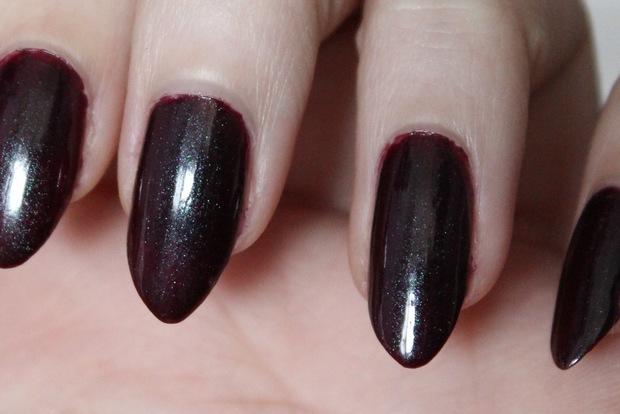 Nail polish nagellack vegan picture polish poison swatch 4