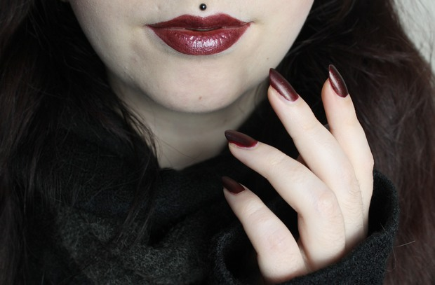 Herbst mit Erbse kosmetik vegan trend it up shiro cosmetics cercei game of thrones angel minerals lipgloss 5