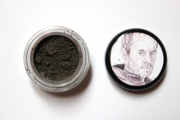 augen make up vegan beauty kosmetik game of thrones stannis baratheon shiro cosmetics salt and stone swatch (2)