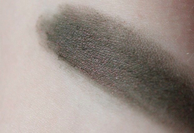 augen make up vegan beauty kosmetik game of thrones stannis baratheon shiro cosmetics salt and stone swatch (3)