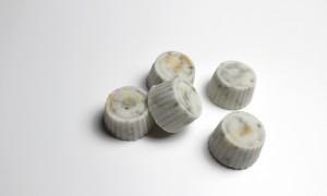 diy selbstgemacht rezept haarpralinen vegan kosmetik haare pflege kokosmilch kräuter Aloe Vera