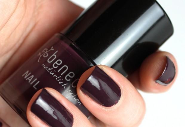 Benecos deep plum lila aubergine pflaume nagellack naturkosmetik vegan kosmetik swatch
