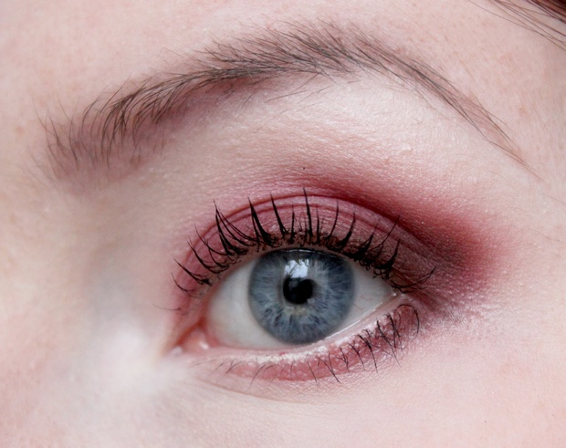 Venus Palette Lime Crime Grunge red eyeshadow roter Lidschatten vegan Kosmetik blue eyes blaue augen