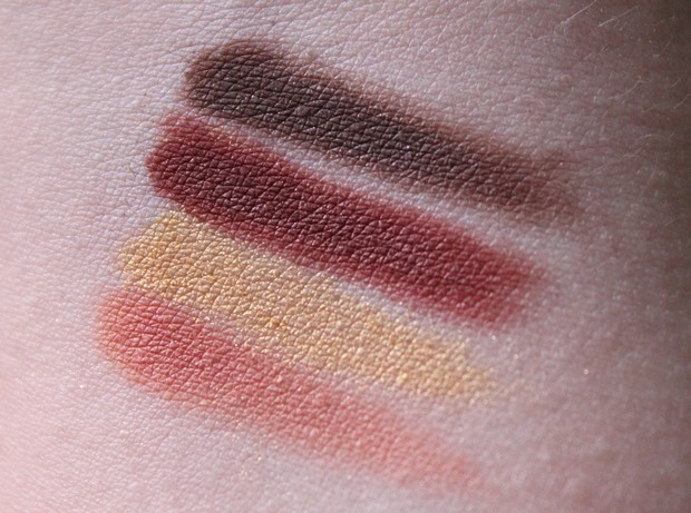 Uoga Uoga Naturkosmetik vegan Vivaness 2016 Make up Swatches burgundy
