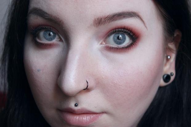 red eyeshadow roter lidschatten just one sip uoga uoga (2)