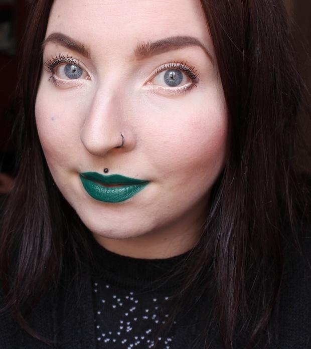 vegan kosmetik cruelty free green lipstick creature liquid lipstick lip slick lunatick cosmetic labs (1)