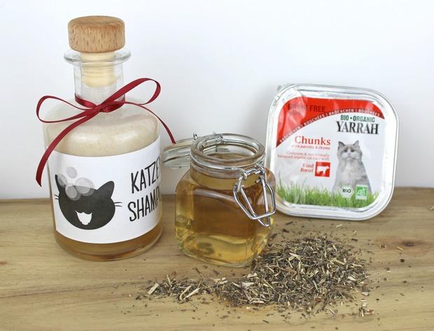 yarrah katzenfutter cat food katzen shampoo pflege vegan hunde spielzeug handmade diy selbstgemacht augen säubern kissen shodan blog 5