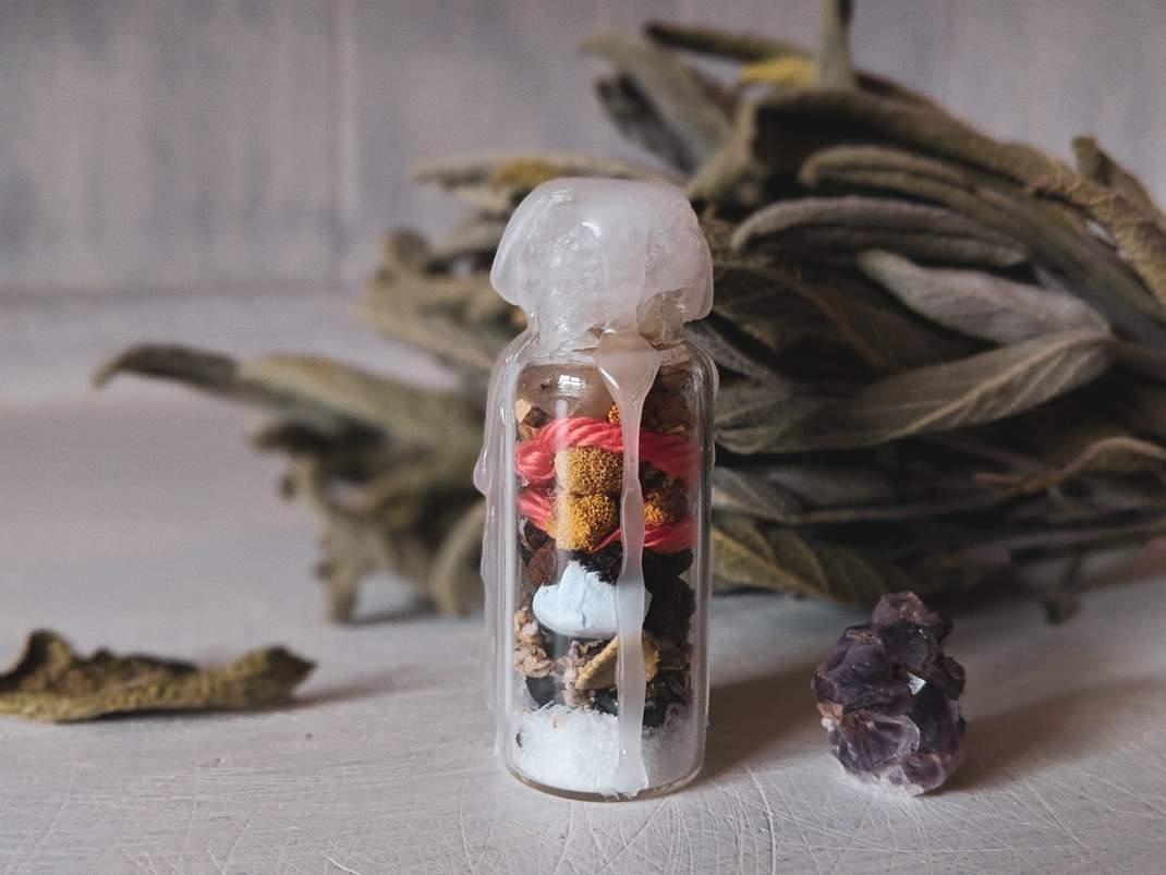 witch bottle halloween samhain hexe hexenflasche magie diy vegan neujahr wünsche kürbis allerheiligen natur herbst autumn (13)