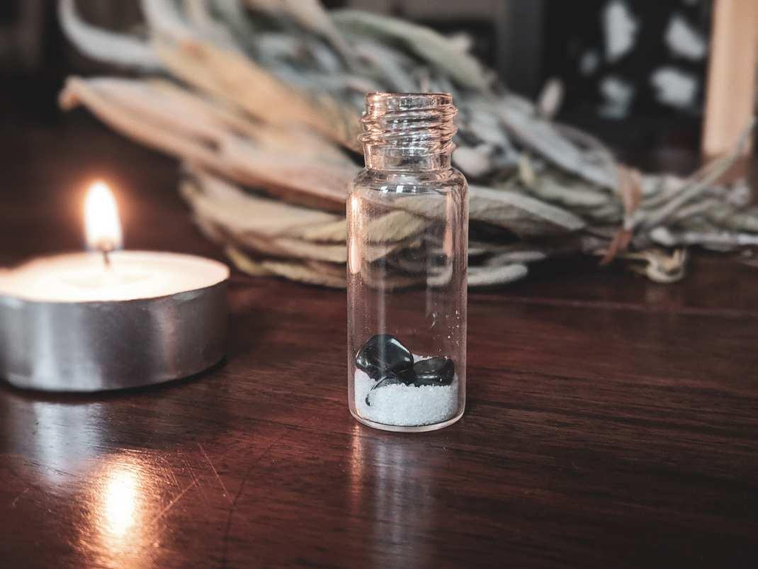 witch bottle halloween samhain hexe hexenflasche magie diy vegan neujahr wünsche kürbis allerheiligen natur herbst autumn (7)
